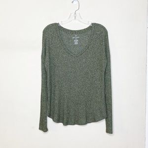 American Eagle Long Sleeve V Neck Top Large